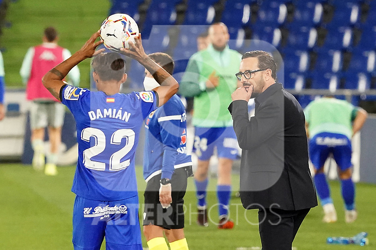 Getafe CF's coach Jose Bordalas with Damian Suarez during La Liga match. September 29,2020. (ALTERPHOTOS/Acero)