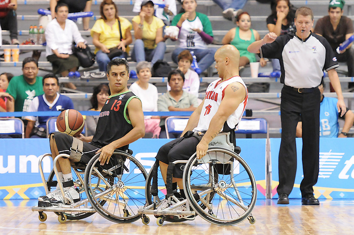 David Eng, Guadalajara 2011 - Wheelchair Basketball // Basketball en fauteuil roulant.<br /> Team Canada competes in the bronze medal game // Équipe Canada participe au match pour la médaille de bronze. 11/18/2011.