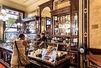 Zuckerbäckerei und Kaffeehaus Demel, Kohlmarkt 14, Wien, Österreich, UNESCO-Weltkulturerbe<br /> Zuckerbäckerei and Kaffeehaus Demel, Kohlmarkt 14, Vienna, Austria, world heritage