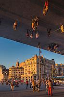 France, Bouches-du-Rhône (13), Marseille, Capitale européenne de la culture 2013, l'Ombrière du Vieux Port de Norman Foster // France, Bouches du Rhone, Marseille, European Capital of Culture 2013, The Old Port, the Ombriere of Norman Foster
