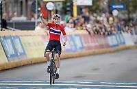 Per Strand Hagenes (NOR) is the newest Junior Men World Champion<br /> <br /> World Championships Junior Men - Road Race (WC)<br /> from Leuven to Leuven (121.4km)<br /> <br /> UCI Road World Championships - Flanders Belgium 2021<br /> <br /> ©kramon