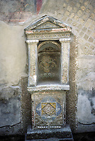 Italy: Herculaneum--small household shrine, Casa Dello Schelletro. Photo '83.