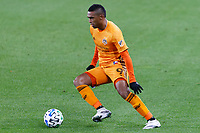 ST PAUL, MN - OCTOBER 18: Mauro Manotas #9 of Houston Dynamo controls the ball during a game between Houston Dynamo and Minnesota United FC at Allianz Field on October 18, 2020 in St Paul, Minnesota.