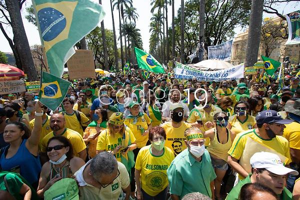 Belo Horizonte (MG) 07/09/21 - Manifestantes se mobilizam na Praça da Liberdade em ato pro governo Bolsonaro,  em Belo Horizonte nesta terça feira (07)