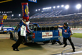 NASCAR Camping World Truck Series<br /> Buckle Up In Your Truck 225<br /> Kentucky Speedway, Sparta, KY USA<br /> Thursday 6 July 2017<br /> Kyle Busch, Banfield Pet Hospital Toyota Tundra pit stop<br /> World Copyright: Russell LaBounty<br /> LAT Images
