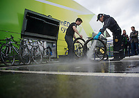 Liege-Bastogne-Liege 2012.98th edition..cleanup-time at Greenedge