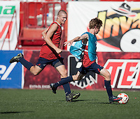 Eriq Zavaleta and Alex Shinsky training before the 2009 CONCACAF Under-17 Championship From April 21-May 2 in Tijuana, Mexico