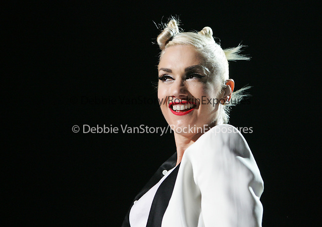 Gwen Stefani of No Doubt performs live to a sold out crowd at Verizon Wireless Ampitheatre in Irvine, California on August 04,2009                                                                   Copyright 2009 DVS / RockinExposures