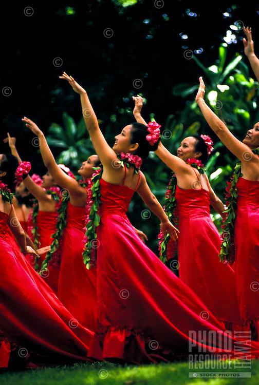 Hula dancers perform at Prince Lot festival, Oahu