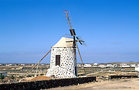 Spanien, Kanarische Inseln, Fuerteventura, Windmühle in Lajares
