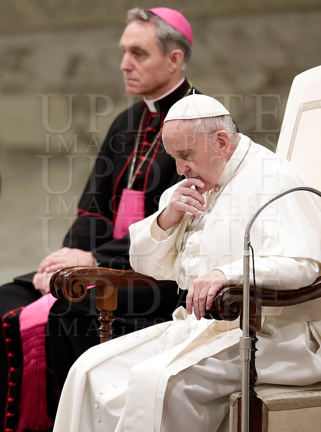 Papa Francesco tiene l'Udienza Generale del mercoledi' in aula Paolo VI in Vaticano, 17 gennaio 2017.<br /> Pope Francis leads his weekly general audience in Paul VI Hall at the Vatican, on January 4, 2017.<br /> UPDATE IMAGES PRESS/Isabella Bonotto<br /> <br /> STRICTLY ONLY FOR EDITORIAL USE