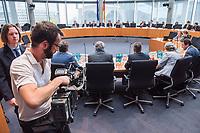 """8. Sitzung des """"1. Untersuchungsausschuss"""" der 19. Legislaturperiode des Deutschen Bundestag am Donnerstag den 26. April 2018 zur Aufklaerung des Terroranschlag durch den islamistischen Terroristen Anis Amri auf den Weihnachtsmarkt am Berliner Breitscheidplatz im Dezember 2016.<br /> Es fand an diesem Sitzungstag eine oeffentliche Anhoerung von sieben Sachverstaendigen und einem AfD-Foerderer zum Thema: """"Gewaltbereiter Islamismus und Radikalisierungsprozesse"""" statt.<br /> 26.4.2018, Berlin<br /> Copyright: Christian-Ditsch.de<br /> [Inhaltsveraendernde Manipulation des Fotos nur nach ausdruecklicher Genehmigung des Fotografen. Vereinbarungen ueber Abtretung von Persoenlichkeitsrechten/Model Release der abgebildeten Person/Personen liegen nicht vor. NO MODEL RELEASE! Nur fuer Redaktionelle Zwecke. Don't publish without copyright Christian-Ditsch.de, Veroeffentlichung nur mit Fotografennennung, sowie gegen Honorar, MwSt. und Beleg. Konto: I N G - D i B a, IBAN DE58500105175400192269, BIC INGDDEFFXXX, Kontakt: post@christian-ditsch.de<br /> Bei der Bearbeitung der Dateiinformationen darf die Urheberkennzeichnung in den EXIF- und  IPTC-Daten nicht entfernt werden, diese sind in digitalen Medien nach §95c UrhG rechtlich geschuetzt. Der Urhebervermerk wird gemaess §13 UrhG verlangt.]"""