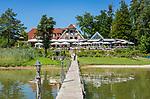 Deutschland, Bayern, Chiemgau, bei Seebruck am Chiemsee: Restaurant und Cafe am Malerwinkel | Germany, Upper Bavaria, Chiemgau, near Seebruck at Lake Chiemsee: Restaurant and Cafe 'Malerwinkel'