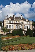 Europe/Suisse/Jura Suisse/ Neuchâtel: L'Hôtel du Peyrou et son jardin anglais