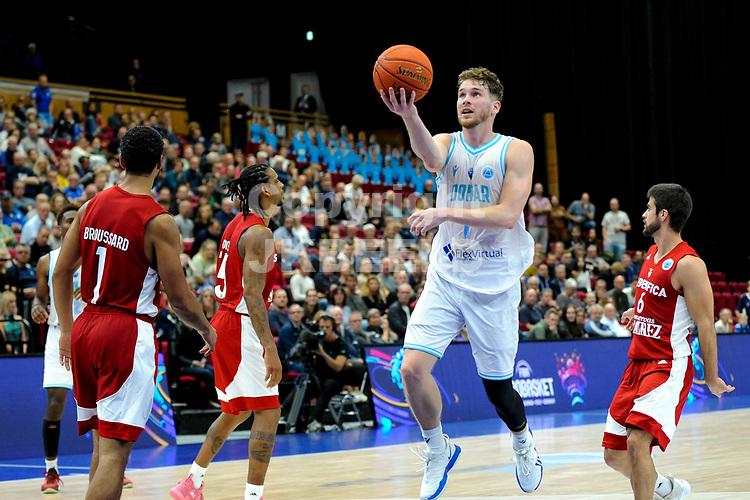 GRONINGEN - FIBA Basketbal-bubbel. finale, Donar - Lisboa Benfica seizoen 2021-2022, 01-10-2021, Donar speler Austin Luke