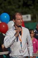 Netherlands, Dordrecht, August 03, 2015, Tennis,  National Junior Championships, NJK, TV Dash 35, Opening ceremony, Tournamen director Roy Kruijer<br /> Photo: Tennisimages/Henk Koster
