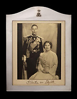 Rare signed photo of George VI and Queen Elizabeth up for Auction