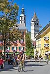 Austria, Tyrol, Kitzbuehel: town centre with parish church St. Andrew and Church of our Lady | Oesterreich, Tirol, Kitzbuehel: Zentrum mit Pfarrkirche Zum Hl. Andreas und Liebfrauenkirche