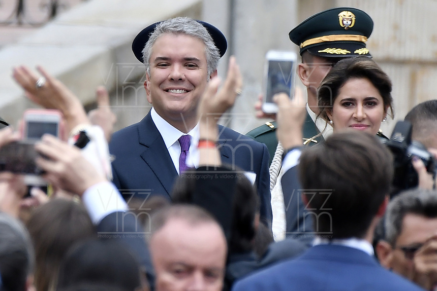 BOGOTÁ - COLOMBIA, 07-08-2018: Ivan Duque, saluda a los asistentes a su llegada para tomar posesión como presidente de Colombia para el período constitucional 2018 - 22 durante ceremonia en la Plaza Bolívar el 7 de agosto de 2018 en Bogotá, Colombia. / Ivan Duque, greets to the assistants as he arrives he takes office to constitutional term as president 2018 - 22 at Plaza Bolivar on August 7, 2018 in Bogota, Colombia. Photo: VizzorImage/ Gabriel Aponte / Staff