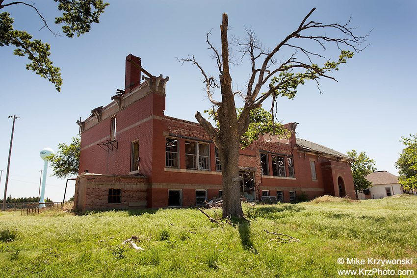 Abandoned School in Ford, KS