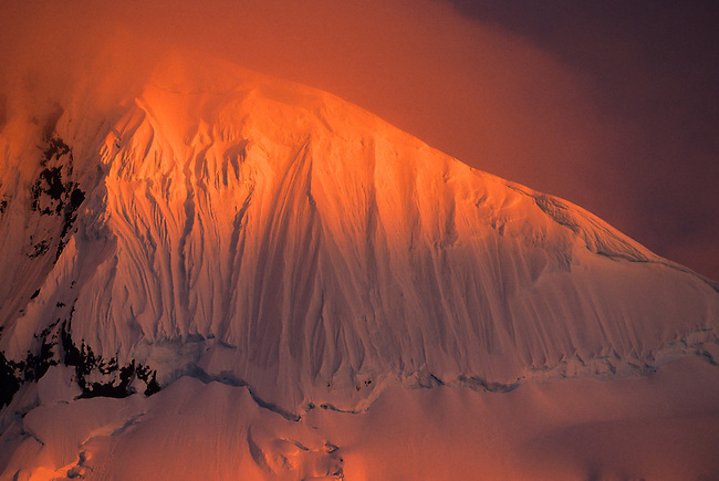 ANTARCTIC PENINSULA AREA, MIDNIGHT SUNLIGHT ON MOUNTAIN