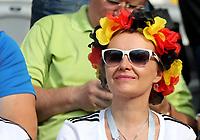 KAZAN - RUSIA, 27-06-2018: Hinchas de Alemania animan a su equipo durante partido de la primera fase, Grupo F, entre República de Corea y Alemania por la Copa Mundial de la FIFA Rusia 2018 jugado en el estadio Kazan Arena en Kazán, Rusia. / Fans of Germany cheer for their team during the match between Korea Republic and Germany of the first phase, Group F, for the FIFA World Cup Russia 2018 played at Kazan Arena stadium in Kazan, Russia. Photo: VizzorImage / Julian Medina / Cont