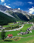 Italy, South-Tyrol, Alto Adige, Vinschgau (Val Venosta), Solda: hiking and ski resort with Ortles mountains | Italien, Suedtirol, Vinschgau, Sulden: Wander- und Skigebiet mit Ortlergruppe