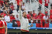 Haris Seferovic (SUI) begrüßt Freunde und Familie auf der Tribüne - EM 2016: Schweiz vs. Albanien, Stade Bollaert-Delelis, Lens