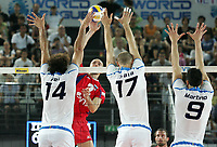 schiacciata di Semen Poltavskiy(Russia), Alessandro Fei, Andrea Sala e Matteo Martino (Italia)<br /> Italia vs Russia 1-3<br /> Girone B, World League Volley<br /> Palalottomatica, Roma, 28 Giugno Roma<br /> Photo Antonietta Baldassarre Insidefoto