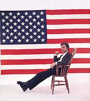 Joe Dassin <br />  1967.<br /> Photo : Bob Lampard/RANCUREL Phototheque/DALLE
