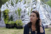 Consuelo Fabriani<br /> Project Manager, <br /> The Living Chapel è una Cappella Vivente come luogo di profonda armonia tra natura, musica, arte, architettura e umanità. <br /> The Living Chapel  è un giardino verticale nel quale sono inseriti in maniera temporanea 3.000 giovani alberi che al termine dell'estate saranno donati per il recupero di aree verdi e per la creazione di nuovi giardini. <br /> Ispirato al programma delle Nazioni Unite, l'Agenda 2030 per lo Sviluppo Sostenibile, e all'Enciclica 'Laudato Si', progettato da un team internazionale di architetti, musicisti e artisti. <br /> L'Orto botanico di Roma è uno dei partner di questa iniziativa, contribuendo ad ospitare ed allestire la Cappella Vivente.<br /> <br /> THE LIVING CHAPEL<br /> The Living Chapel is a place of profound harmony between nature, music, art, architecture and humanity.<br /> The Living Chapel is a vertical garden in which 3,000 young trees are placed temporarily, which at the end of the summer will be donated for the recovery of green areas and for the creation of new gardens.<br /> Inspired by the United Nations program, the 2030 Agenda for Sustainable Development, and the Encyclical 'Laudato Si', designed by an international team of architects, musicians and artists.<br /> The Botanical Garden of Rome is one of the partners of this initiative, helping to host and set up the Living Chapel.