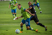 SAN JOSE, CA - OCTOBER 18: Jordan Morris #13 of the Seattle Sounders escapes Judson #93 of the San Jose Earthquakes during a game between Seattle Sounders FC and San Jose Earthquakes at Earthquakes Stadium on October 18, 2020 in San Jose, California.