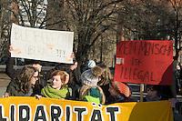 Schulstreik fuer Refugees.<br /> Ca. 1.000 bis 1.200 Schulerinnen und Schueler demonstrierten am Donnerstag den 13. Februar 2014 in Berlin mit einem Schulstreik fuer ein Bleiberecht fuer Fluechtlinge und Abschiebungen von Asylsuchenden. Sie unterstuetzten damit die Lampedusa-Fluechtlinge, die seit ca. 1 1/2 Jahren auf dem Oranienplatz in Berlin-Kreuzberg campieren.<br /> 13.2.2014, Berlin<br /> Copyright: Christian-Ditsch.de<br /> [Inhaltsveraendernde Manipulation des Fotos nur nach ausdruecklicher Genehmigung des Fotografen. Vereinbarungen ueber Abtretung von Persoenlichkeitsrechten/Model Release der abgebildeten Person/Personen liegen nicht vor. NO MODEL RELEASE! Don't publish without copyright Christian-Ditsch.de, Veroeffentlichung nur mit Fotografennennung, sowie gegen Honorar, MwSt. und Beleg. Konto:, I N G - D i B a, IBAN DE58500105175400192269, BIC INGDDEFFXXX, Kontakt: post@christian-ditsch.de<br /> Urhebervermerk wird gemaess Paragraph 13 UHG verlangt.]