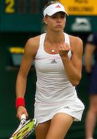 21-06-10, Tennis, England, Wimbledon, Maria Kirilenko