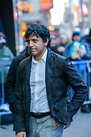 NOVA YORK, EUA, 15.01.2019 - CELEBRIDADES-EUA - O cineasta indiano M. Night Shyamalan é visto na região da Times Square em Nova York nos Estados Unidos nesta terça-feira, 15. (Foto: Vanessa Carvalho/Brazil Photo Press)