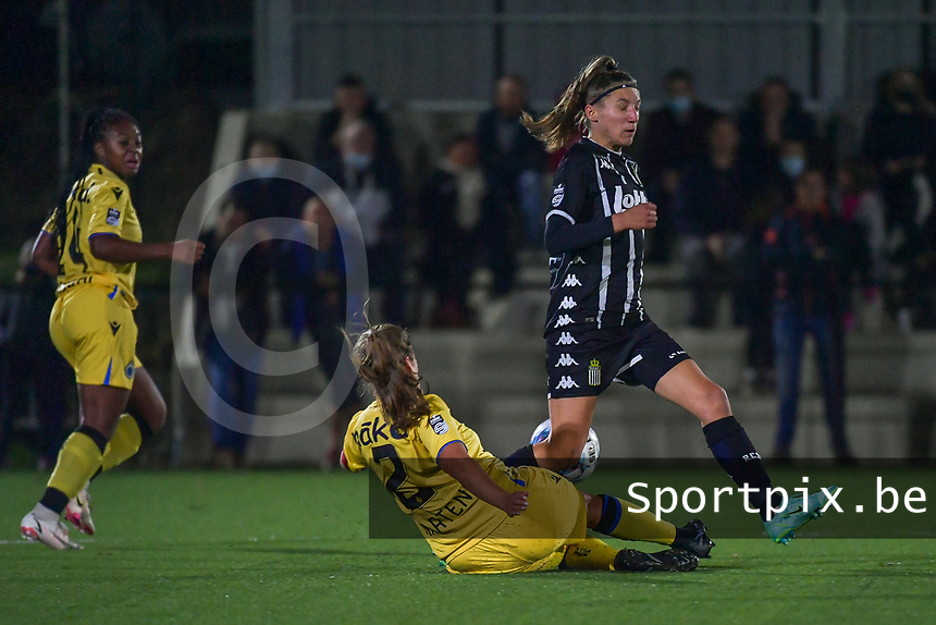 Ellen Martens (2) of Club Brugge and xxx pictured during a female soccer game between Sporting Charleroi and Club Brugge YLA on the sixth matchday in the 2021 - 2022 season of Belgian Scooore Womens Super League , friday 8 October 2021 in Marcinelle , Belgium . PHOTO SPORTPIX   STIJN AUDOOREN