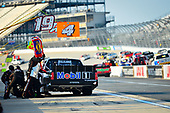 #4: Todd Gilliland, Kyle Busch Motorsports, Toyota Tundra Mobil 1 makes a pit stop, Sunoco