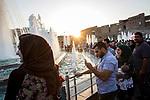 Irak - Erbil. Tag der Fluechtlinge, ausgerichtet vom UNHCR. Viele Menschen stroemten in die Innenstadt von Erbil.<br /> <br /> Engl.: Asia, Iraq, Erbil, conflict area, refugees, population, June 2014