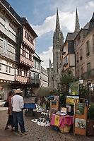Europe/France/Bretagne/29/Finistère/Quimper: La rue Kéréon et la cathédrale Saint-Corentin (XIIIème-XVème)