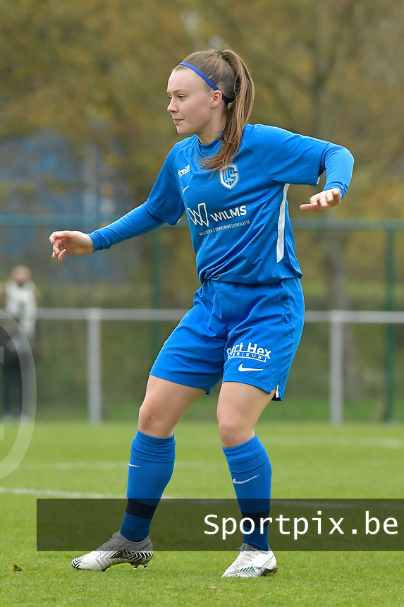 Genk's Fleur Pauwels  pictured during a female soccer game between SV Zulte - Waregem and KRC Genk on the 8 th matchday of the 2020 - 2021 season of Belgian Scooore Women s SuperLeague , saturday 21 th of November 2020  in Zulte , Belgium . PHOTO SPORTPIX.BE | SPP | DIRK VUYLSTEKE