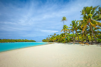 One Foot Island beach in Aitutaki Lagoon, Aitukaki Atoll, Cook Islands.