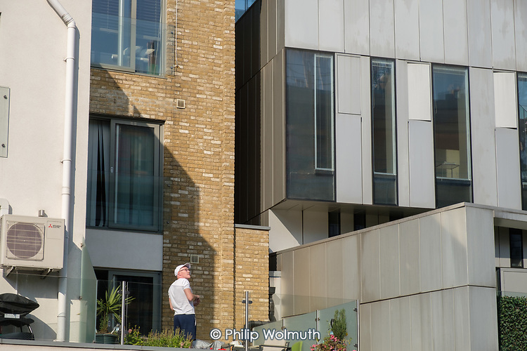 New housing and offices, Grand Union canal, North Paddington, London