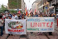 Milano, Mayday Parade, manifestazione del 1. maggio di gruppi e organizzazioni di sinistra contro il lavoro precario --- Milan, Mayday Parade, 1st of May manifestation of leftist groups and organizations against temporary work. Workers of the world unite!