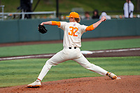 Tennessee Volunteers relief pitcher Sean Hunley (32) delivers a pitch to the plate against the LSU Tigers on Robert M. Lindsay Field at Lindsey Nelson Stadium on March 28, 2021, in Knoxville, Tennessee. (Danny Parker/Four Seam Images)