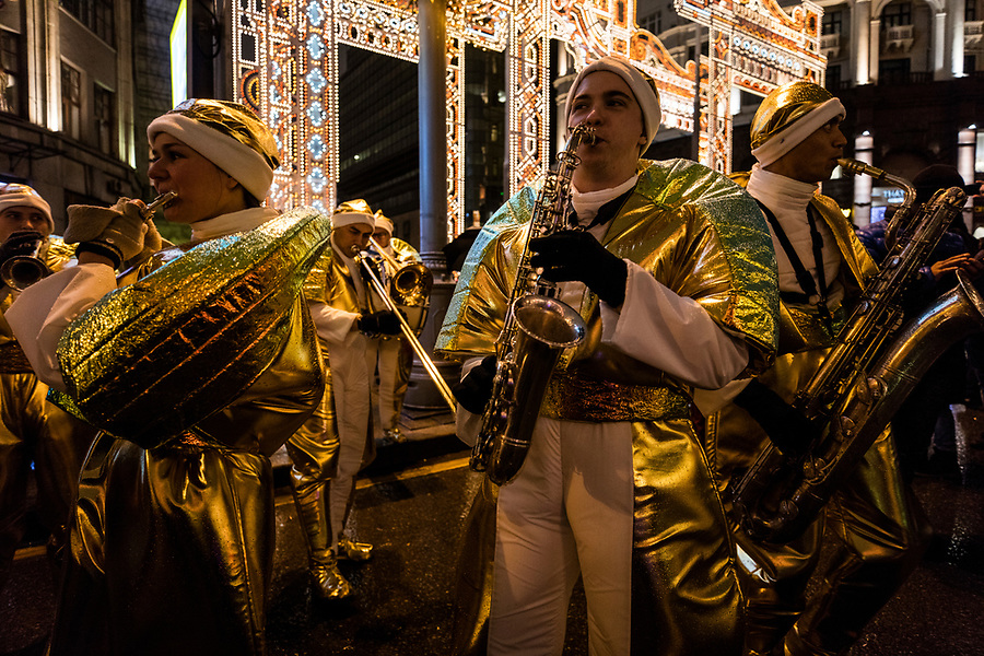 31/12/2019, Moscow, Russia.<br /> Musicians play in the street as revellers celebrate Russian New Year in central Moscow.