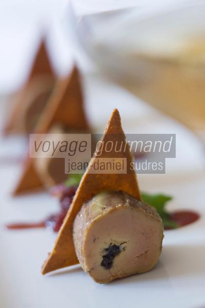 Europe/France/Midi-Pyrénées/32/Gers/ Pujaudran:  Tronçon de lobe de foie gras pané au pain d'épice  recette de Bernard Bach chef du restaurant Le Puits Saint-Jacques