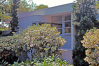 Gregory Ain: Edwards House, 1936. A glimpse in from the twisting street.  Photo '91.