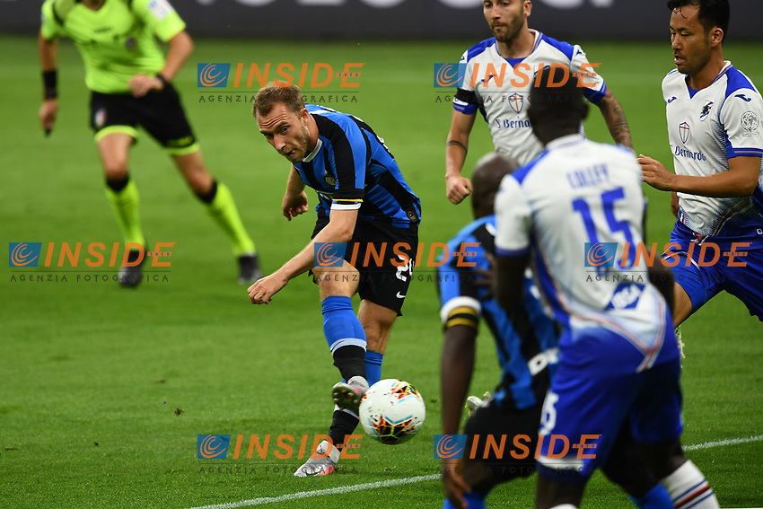 Christian Eriksen of FC Internazionale in action during the Serie A football match between FC Internazionale and UC Sampdoria at Stadio San Siro in Milano ( Italy ), June 21th, 2020. Play resumes behind closed doors following the outbreak of the coronavirus disease. <br /> Photo Image/Insidefoto