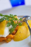 Europe/France/Bretagne/29/Finistère/Plomodiern: Filet de Barbue,  carottes    et agrumes,beurre crécy,  recette d' Olivier Bellin de l'Auberge des Glazicks
