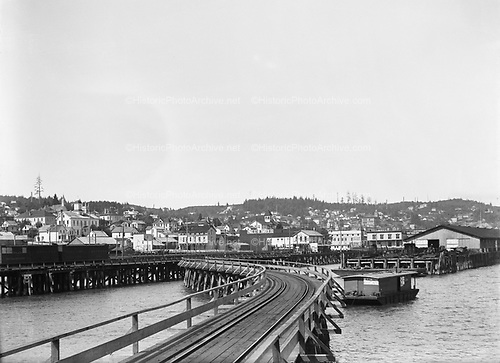 0002-C04 Railroad jetty on the Columbia River in Astoria. ca. 1902